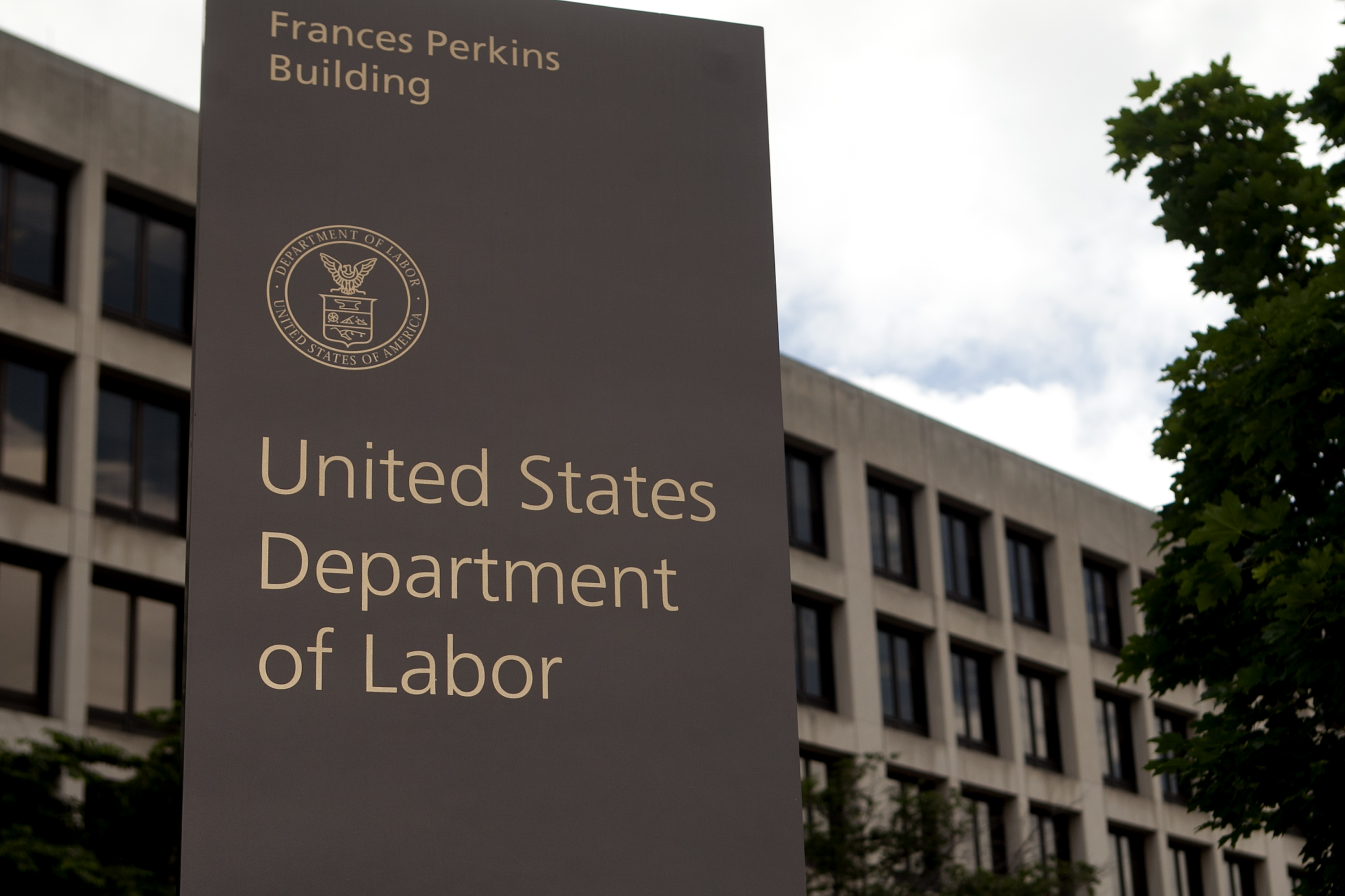 Labor Department issues final independent contractor rule