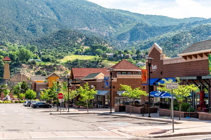 Glenwood Springs, USA - June 29, 2019: Shopping meadows mall par