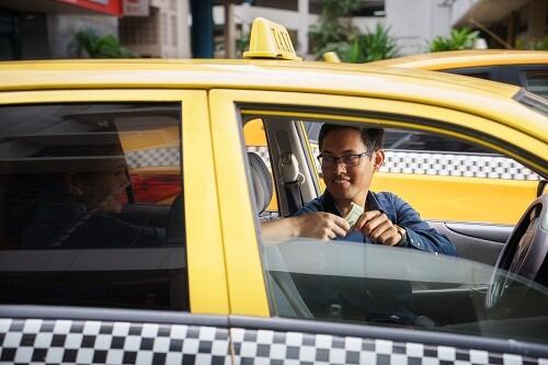 2. Taxi.jpg