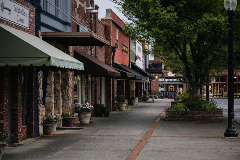 Businesses stand temporarily closed in downtown Cartersville, Georgia on April 22.