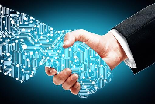 Data-Teams-Bridge-the-Gap-Between-IT-and-Business.jpg