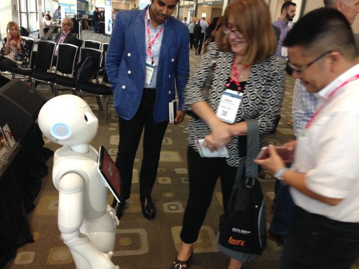 pepper-robot-digbanking19