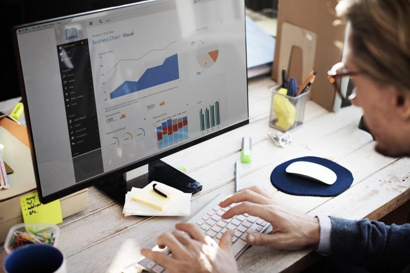 24. Analytics Manager