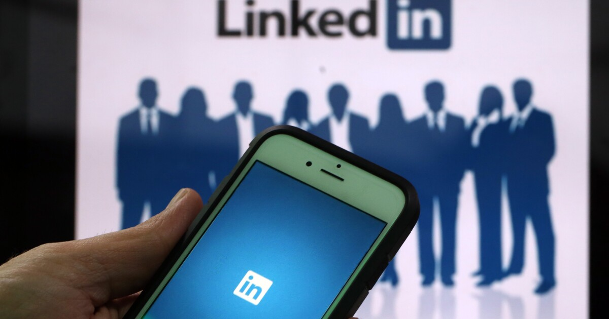 Free LinkedIn classes help employees upskill   Employee ...