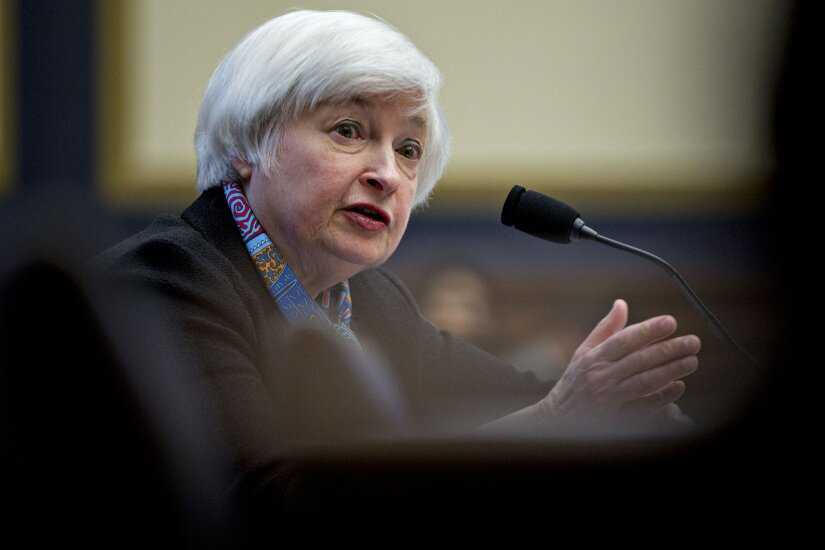 Yellen-Janet-Federal-Reserve-gesturing-Bloomberg-News