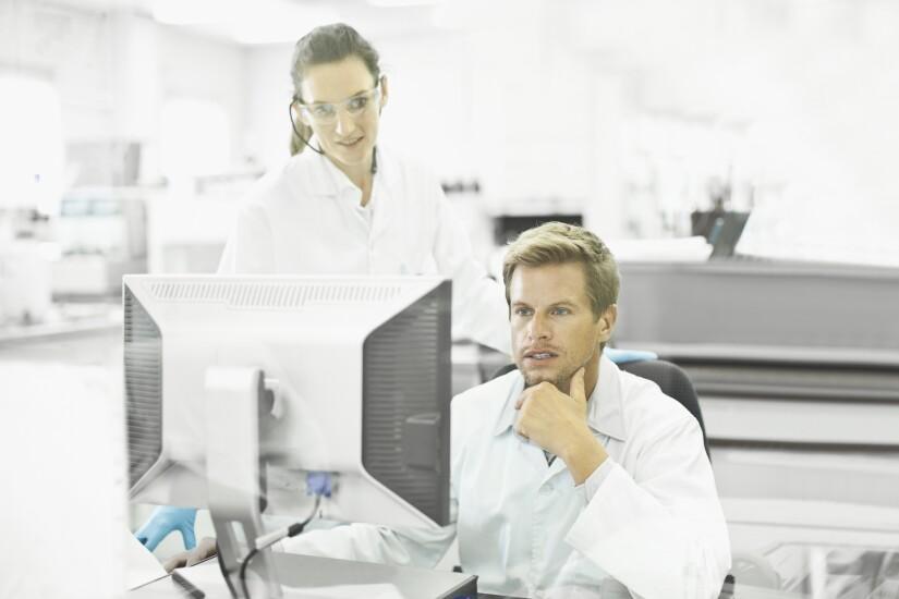 1. Computer analyst.jpg