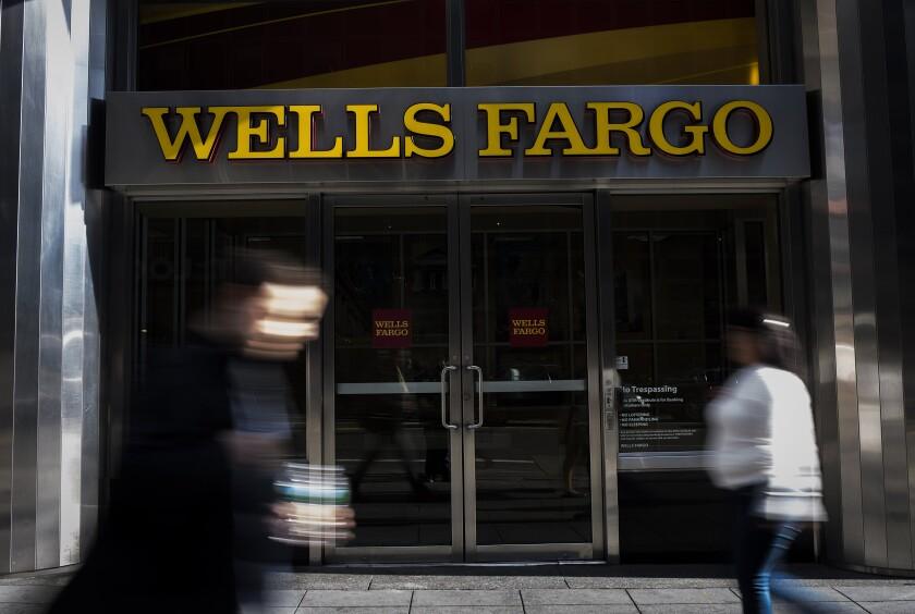 Wells_Fargo_bank_dark_Bloomberg
