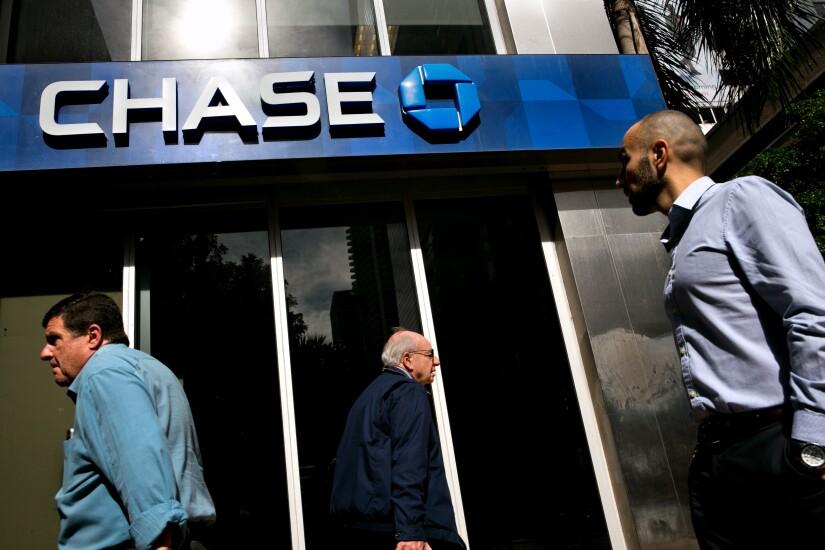 jpmorgan chase branch entrance