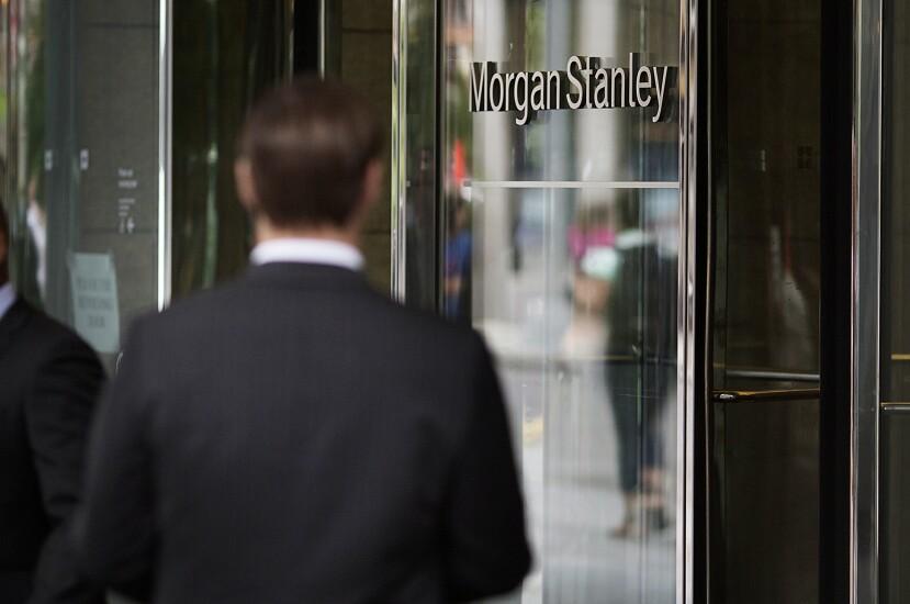 Morgan_Stanley_glass_entrance_Bloomberg