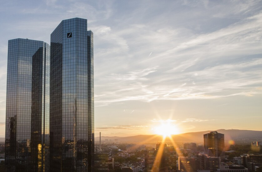 Deutsche-Bank-HQ-Frankfurt-sunset-Bloomberg-News.jpg