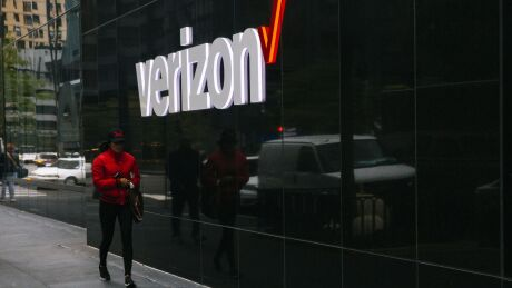 Verizon cardholders will receive 2% cash back on purchases at Verizon stores.