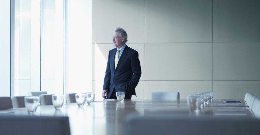 7) Senior management.jpg