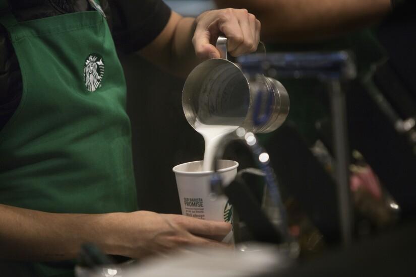 Starbucks.Bloomberg.jpg