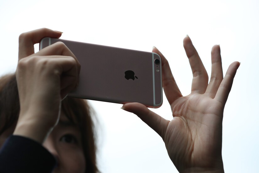 iPhone 6 Plus camera user