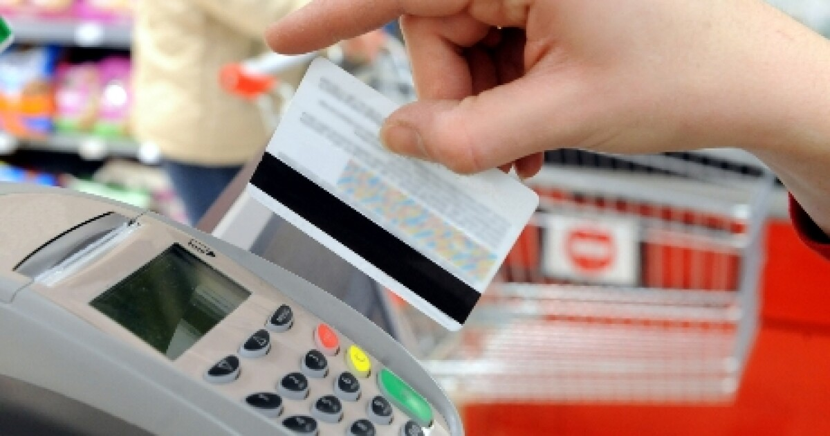 Late credit card payments at historically low levels...