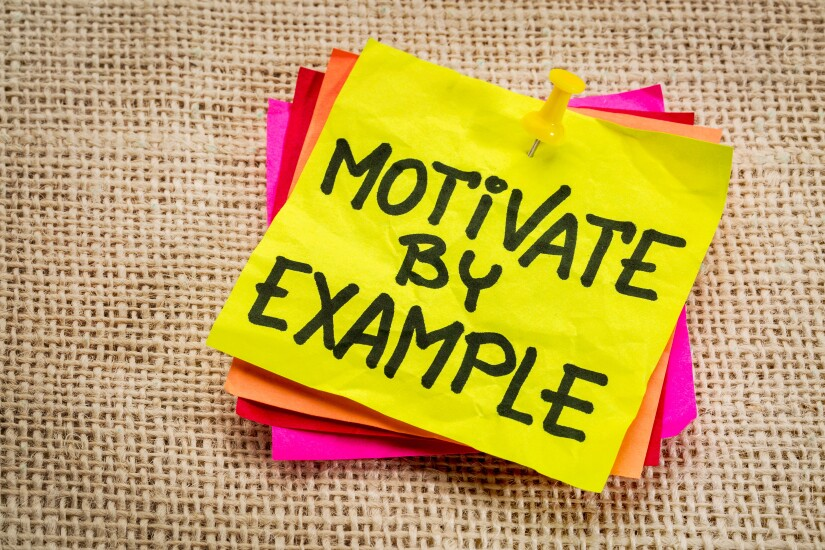 Motivate by example Post-it