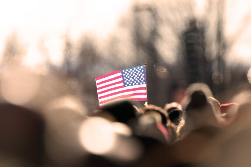 NMN101218-American-flag