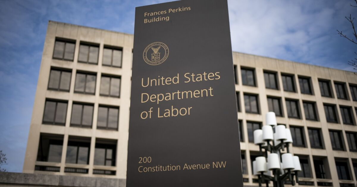 Labor Dept. plan to replace fiduciary rule catches flak from all sides