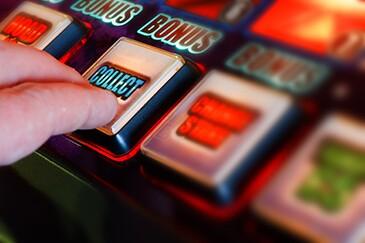 gambling-49232972-adobe-357.jpg