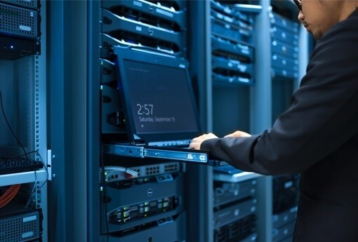 data warehouse analyst.jpg