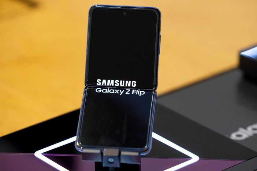 Samsung is positioning its forthcoming deposit account as part of a money management platform for consumers' cell phones.
