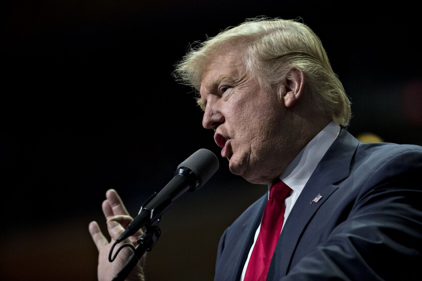 Donald-Trump-mouth-gesture-Bloomberg-News