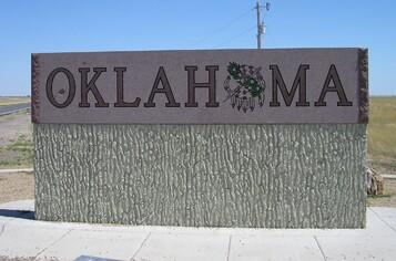oklahoma-state-line-sign.jpg