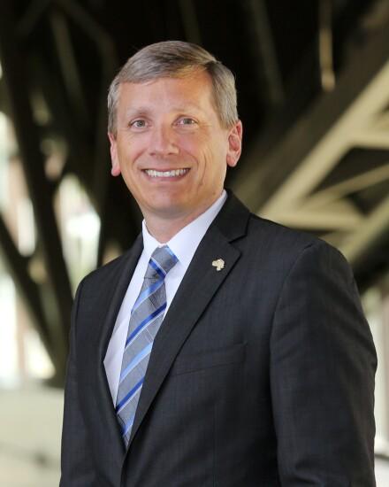 Gary Swearingen Wells Fargo Advisors branch manager