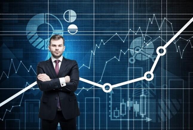 PAY 10 analytics manager.jpg