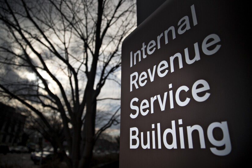 IRS building 3 by Bloomberg News